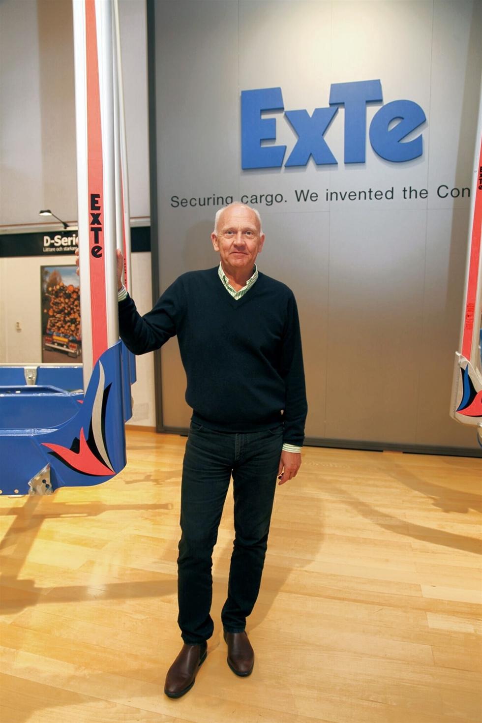 I Ljusdals kommun i norra Gävleborg finns företaget ExTe. VD Kjell Jonsson beskriver själv företaget som en världsledande tillverkare och leverantör av timmerbankar och automatiska spännare.
