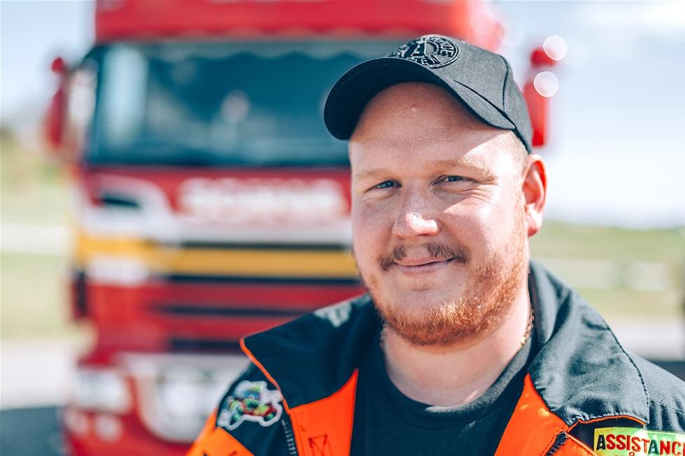 Christer Lanebo är inne på fjärde säsongen i Vägens riddare, Kanal 5:s program om bärgarna som rycker ut och hjälper olycksdrabbade förare. – Tjusningen är att varje dag är ett oskrivet blad. Efter 19 år har jobbet blivit en livsstil, säger han.