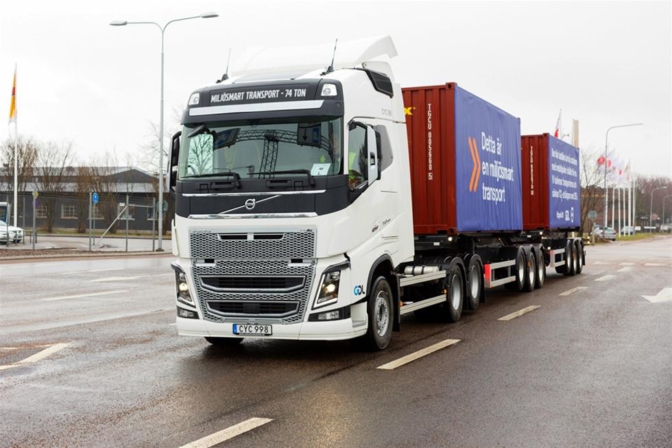 Höganäs AB sjösätter i samarbete med GDL Transport AB och Volvo Lastvagnar AB ett nytt HCT ekipage på 74 ton som är det första som beställts från fabrik med urkopplings- och lyftbar driven tandemaxel. Ekipaget, som minskar CO2 utsläppen med upp till 35 procent, ingår i ett projekt med potential att halvera antalet transporter.