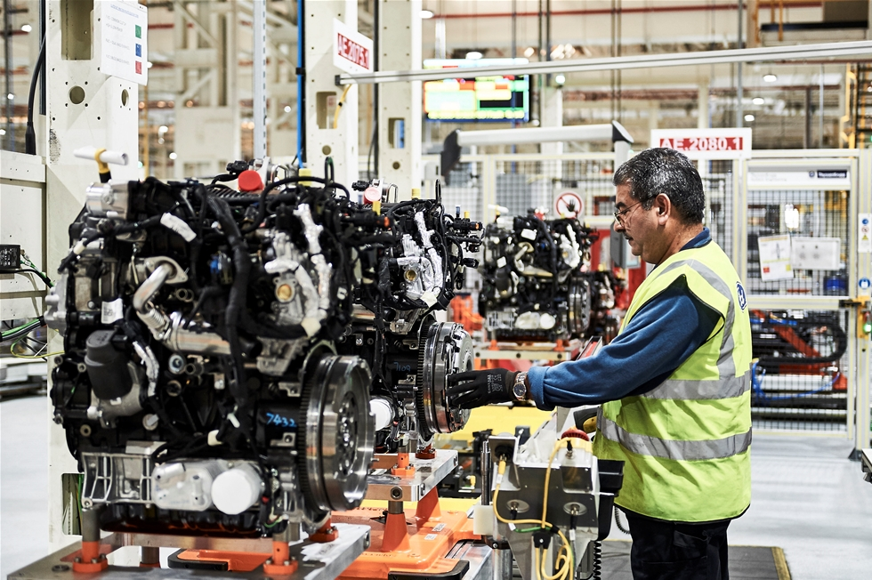 Vid tillverkningen av Fords nya EcoBlue-dieselmotor räknar företaget med att kunna spara in upp till 50 procent av produktionens energi- och vattenanvändning, jämfört med produktionslinan för Fords tidigare 1,8-liters TDCi-dieselmotor.