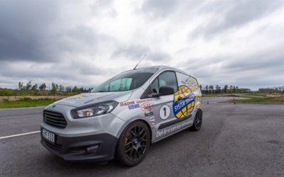 Edströms auktionerar ut racingbilen