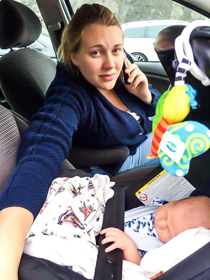 Motorvägen korkade igen blixtsnabbt. Ida Lambertsson, 26, satt fast i åtta timmar i bilen. I en bilbarnstol satt sonen Erik, bara fyra dagar gammal. – Jag kände mig hjälplös. Paniken smög sig på, säger hon.