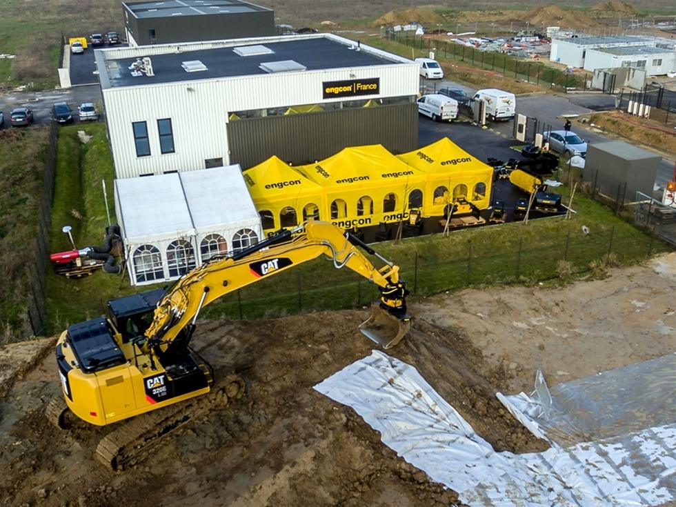 Engcon, världsledande tillverkare av tiltrotatorer för grävmaskiner, fortsätter att växa i Europa. Nyligen invigdes det franska dotterbolagets nya huvudkontor i Mennecy, Frankrike och ytterligare personal anställs.