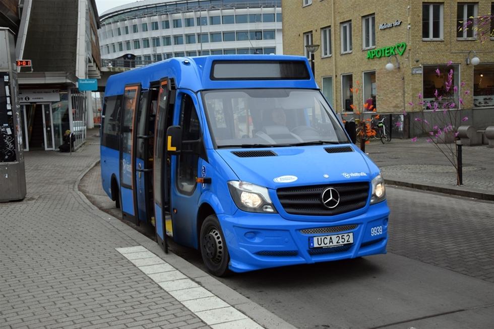 Bussarna ska kunna köra 95 procent fossilfritt om mindre än två år. Det lär bli svårt. De får bara köra på diesel med upp till 40 procents blandning av biobränsle. – Våra krav kvarstår, säger Matti Lahtinen, Västtrafik, som upphandlat transporten.