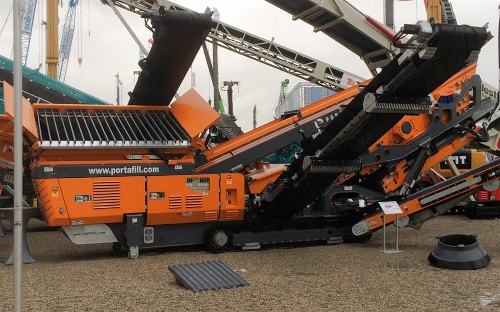 6000XT är den senaste produkten från irländska Portafill. Maskinen som lanserades på Bauma i München är en finsikt med en del innovativa lösningar som särskiljer den från övriga maskiner på marknaden.
