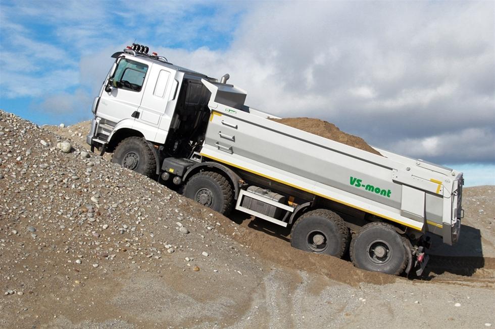 Våren 2015 introducerade Cordestam Maskin lastbilsmärket Tatra på den Svenska marknaden. Under premiärvisningen på MaskinExpo demokördes det flitigt på testbanan. Då var det en Tatra av modell Phoenix Euro 5 i 8X8 utförande med 30 tons nyttolast. I år är det premiär för nya Tatra Phoenix 8X8 Euro 6.