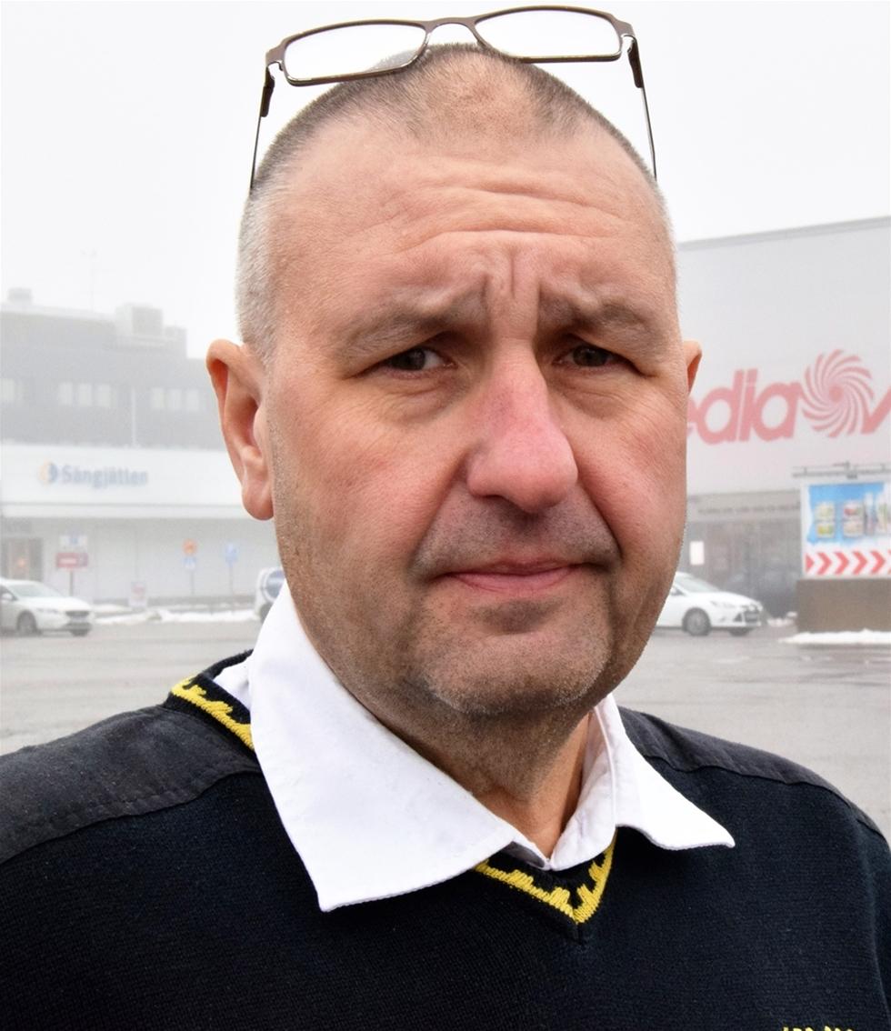 Thomas Knutsson, 52, började köra lastbil 1982. Då vägde han cirka 70 kilo. – För mycket skräpmat och stillasittande gjorde att jag till slut vägde dubbelt så mycket, säger Thomas som är 1,78 lång.