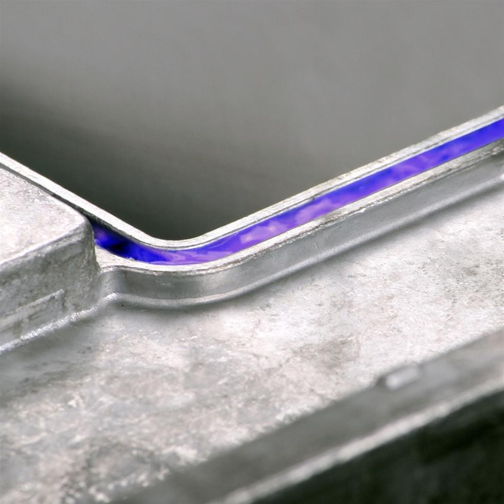 Dow Corning EA-7100 innebär en helt ny teknik som gör det möjligt att jobba med upp till 50 procent snabbare härdningstid än vid användning av konventionella värmehärdande silikoner.