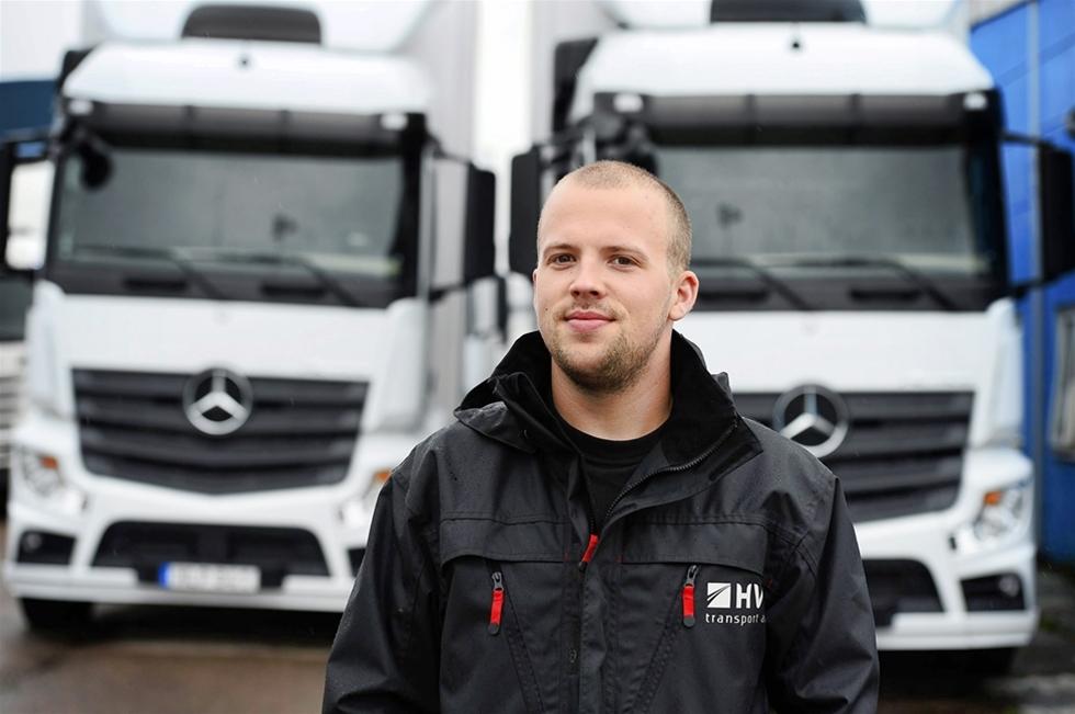 """Nu är årets upplaga av Driver's League - Daimlers stora världsomspännande tävling i """"ecodriving"""" klar. Den svenska upplagan vanns av Jonas Svensson från Helsingborg som också blev total trea i hela världen när det gäller ekonomisk körning!"""