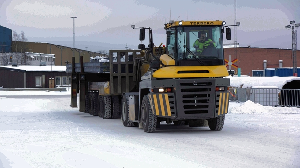 Snökedjesystemet Onspot säkerställer med automatic traction control (ATC) framkomlighet på vintern, och nu lanseras systemet även för terminaltraktorer. Genom en knapptryckning kan snökedjorna automatiskt aktiveras och avbrytas under körning.