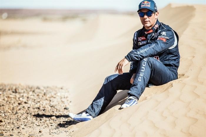 Sébastien Loeb, en av vår tids mest framgångsrika rallyförare, har antagit utmaningen att köra världens tuffaste ökenrally, Dakar 2016, med Peugeots nya lejonkung 2008 DKR.