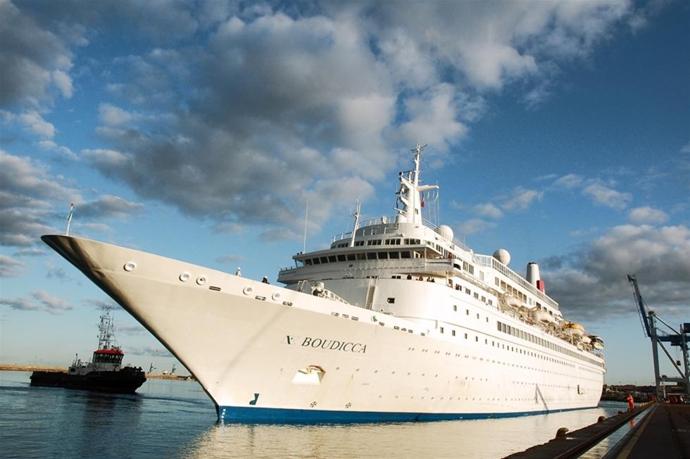 """Nyligen valde ännu ett kryssningsfartyg att förändra sin rutt och gästa Helsingborg. Denna gång var det Fred Olsen Cruise Lines M/S """"Boudicca"""" som kom på besök, en återkommande besökare i Helsingborg."""