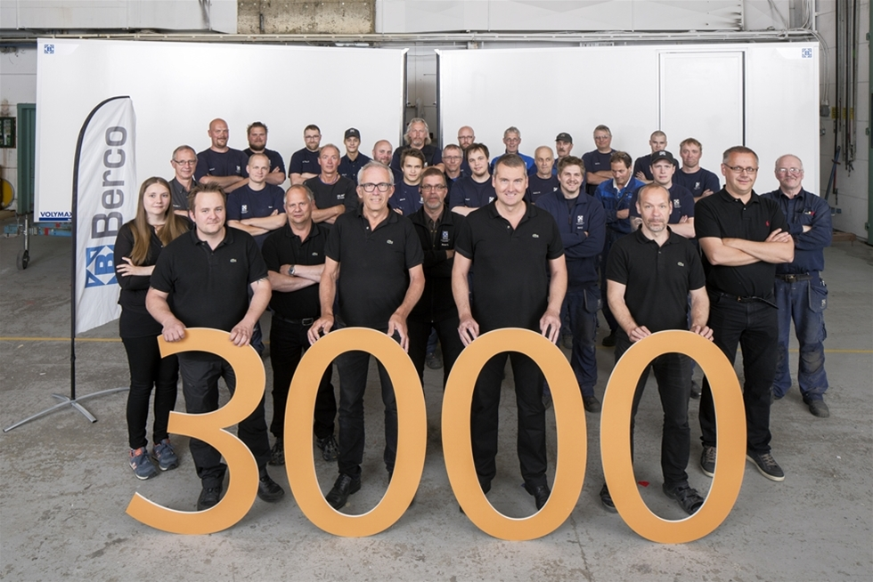 Från starten år 2001 har Berco tillverkat och sålt över 3000 transportskåp till Volkswagen Crafter transportbil. Vi började i en blygsam takt, men de senaste åren har vi märkt av en ökning från år till år. Nu tillverkar vi flera transportskåp per dag i Bercos lokaler i Skellefteå.