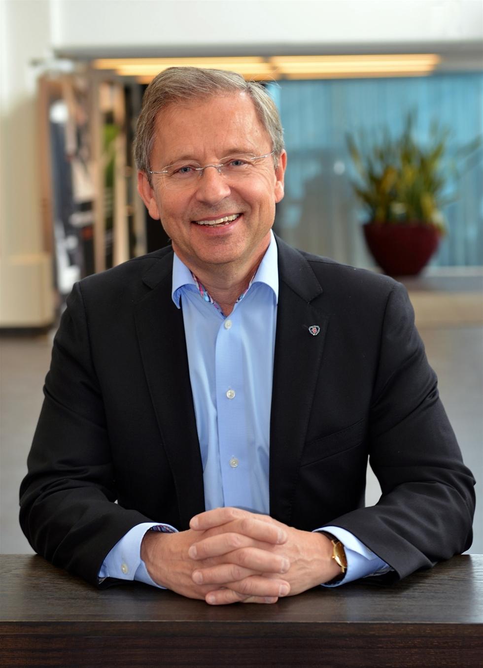 Robert Sobocki har utsetts till VD för Scania-Bilar Sverige och tillträder den 1 juli 2015, han kommer närmast från en position som Senior Vice President för Scania Engines.