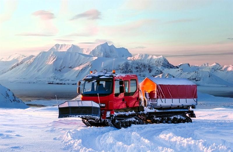 Scandinavian Terrain Vehicles AB (STV) i Skellefteå har fått i uppdrag av Spetsbergen att leverera en bandvagn till Svalbard. Där råder extrema klimatförhållanden med sträng kyla och svåra förhållanden.
