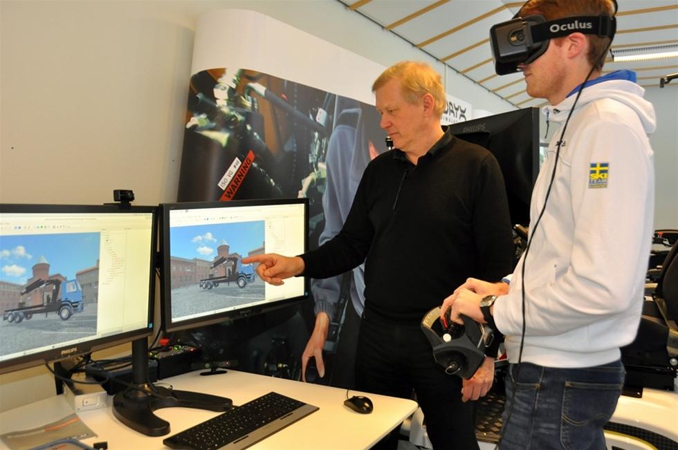 Umeåföretaget Oryx Simulations rider på vågen då  efterfrågan på fjärrstyrning av tunga fordon stiger på världsmarknaden.  Och Oryx har trygga samarbetspartners genom Volvo CE och Ericsson. - Vi hävdar oss bra med industrin i ryggen, säger Derny Häggström på Oryx.