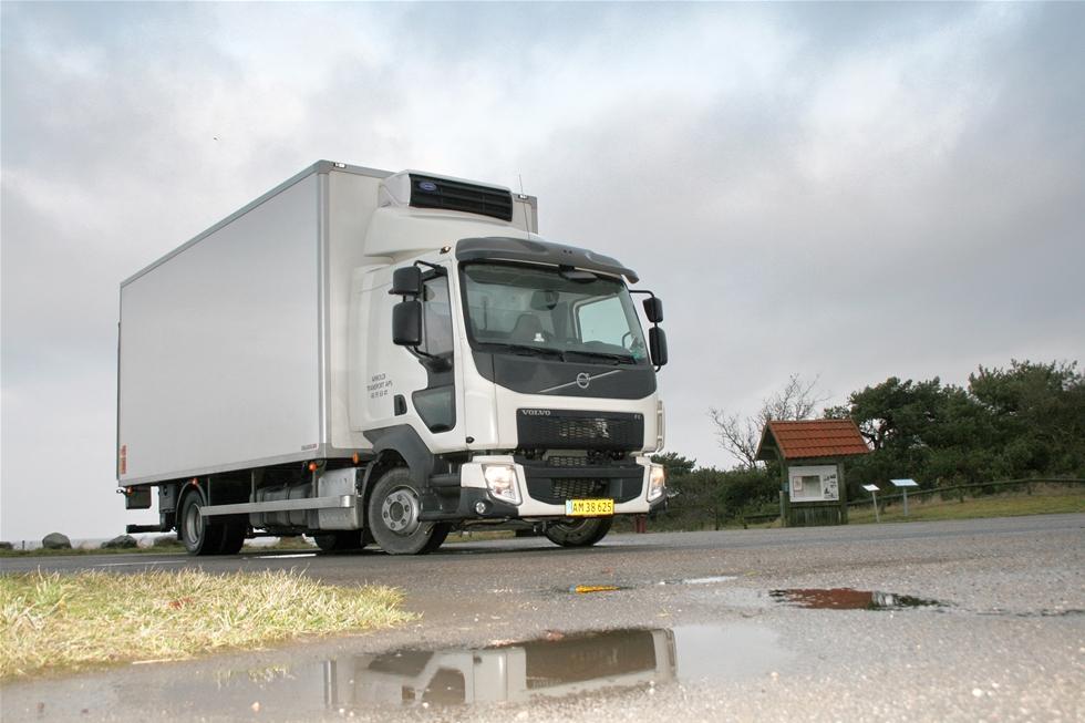 Volvo Lastvagnar har länge varit förhållandevis återhållsamt med att rekommendera valet av 4-cylindrig motor till FL-serien. Kanske är det familjemedlemmen Renault Trucks som har övertygat Volvo, om en ändring därvidlag.