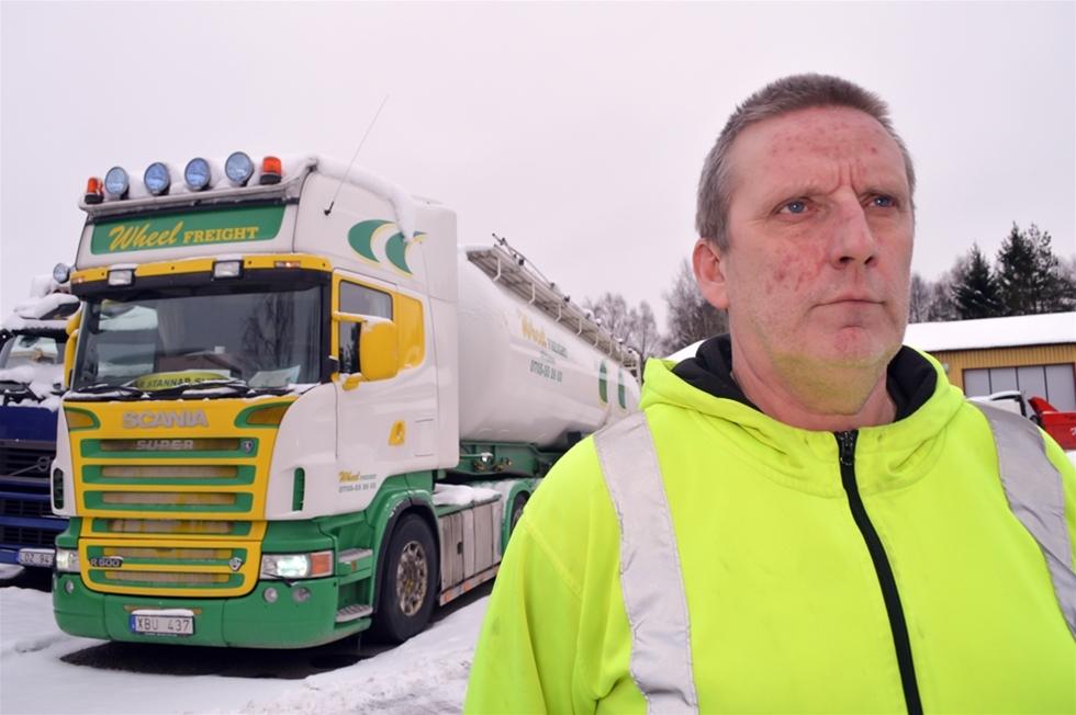 """Håkan Alexandersson står oftast i främsta ledet när det är dags för """"Här stannar Sverige"""". Men han var med redan för 15 år sedan, som talesman, när chaufförerna """"stängde"""" Göteborgs hamn: – Vi blockerade hamnarna i fyra dagar. Redan då bar vi på en ryggsäck med 20 procent högre kostnader mot övriga Europa."""