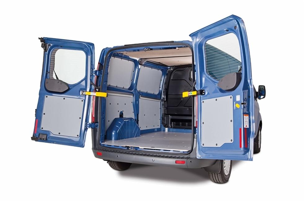 Varje år, och särskilt på hala vägar om vintern, inträffar olyckor på grund av last som inte har säkrats tillräckligt bra. Med lastsäkringssystemet SoboGrip från Sortimo får du en trygg och flexibel lösning för olika laststorlekar i servicebilen.