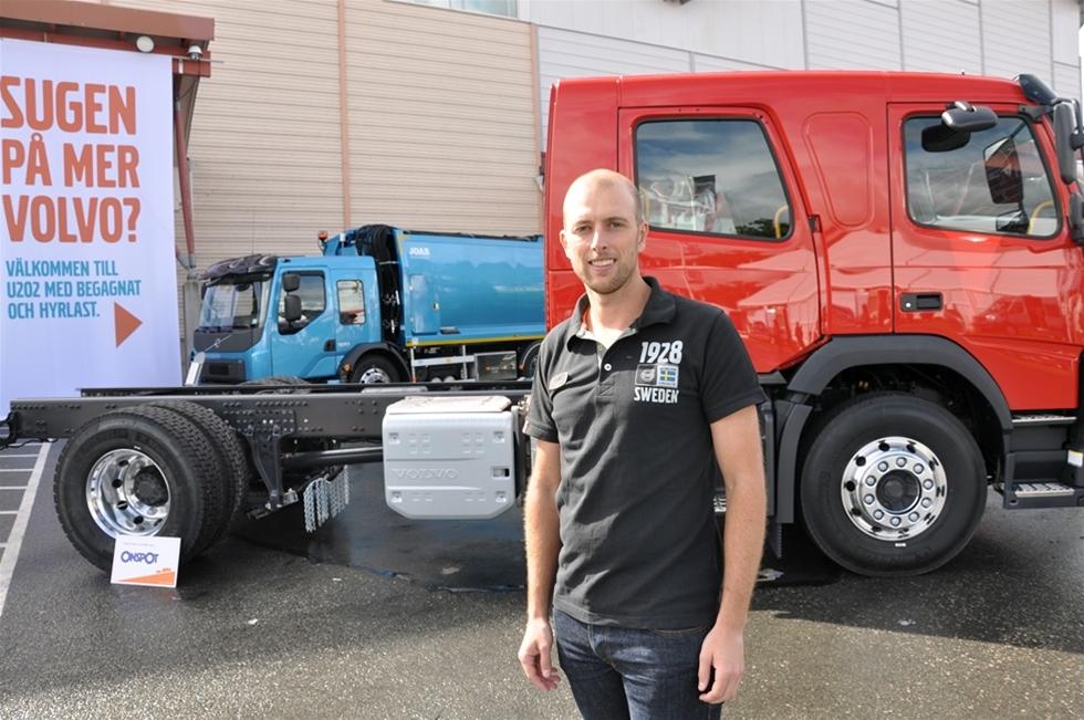 Det är i det närmaste tre decennier sedan Volvo presenterade sin minsta lastbil FL, alltså Front Low med lågbyggd hytt, med ungefär samma grunddrag som idag. Sedan dess har det varit en trogen grovjobbare med en ytterst diversifierad kundkrets, liksom har den genomgått mängder av uppdateringar för att klara nya regler och nya konkurrenter. Och nu är det dags igen. Den kompakta 5-litersmotorn innebär att lastkapaciteten på köpet ökar med 200 kilo.