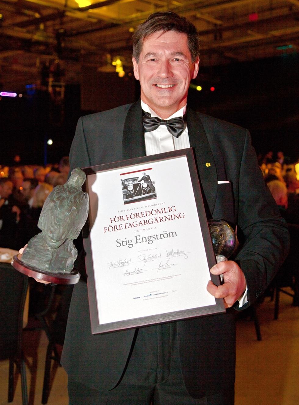 Stig Engström, grundare och huvudägare av teknikföretaget engcon, belönades med Sven O Perssons hederspris på Guldgalan i Östersund. –        Jag är både rörd och hedrad över denna utmärkelse. Sven O Persson var en entreprenör som var lika skicklig som hederlig och en stor förebild för mig som företagare, säger Stig Engström.