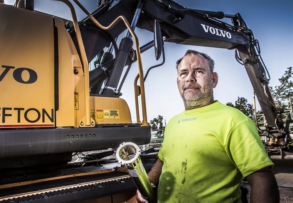 Dieselstölder är ett gissel för transport- och entreprenadbranschen. Förra året anmäldes 9 592 dieselstölder i landet, vilket innebär 26 tömda tankar varje dag. Men Tomas Lidén åker till jobbet varje dag utan att oroa sig. – Sedan jag skaffade ProtQtor har jag haft två stöldförsök, båda har misslyckats.