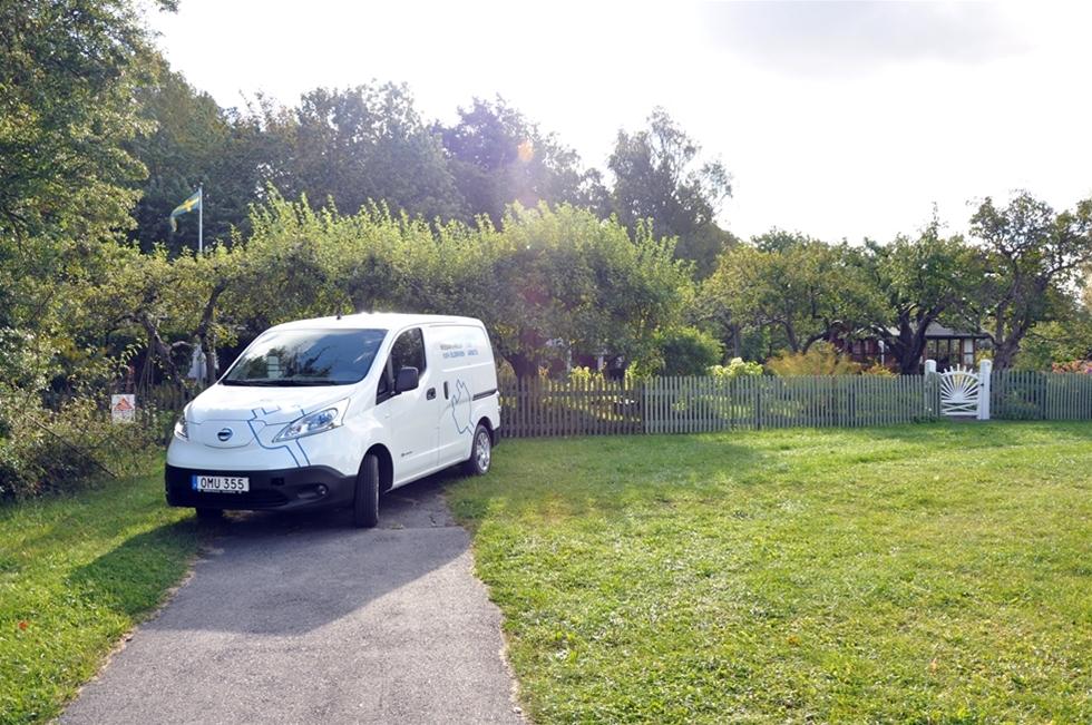 Samma  sak dag efter dag och en ständig kamp mot slentrian. Hantverkare har en  aldrig sinande ström av uppdrag att klara av. Ett efter ett. I det läget gäller det att ha förmågan att ladda om batterierna med jämna mellanrum, för att komma laddad till jobbet varje dag. Med nya e-NV200 ger sig Nissan in på den svenska elbilsmarknaden för hantverkare på allvar.