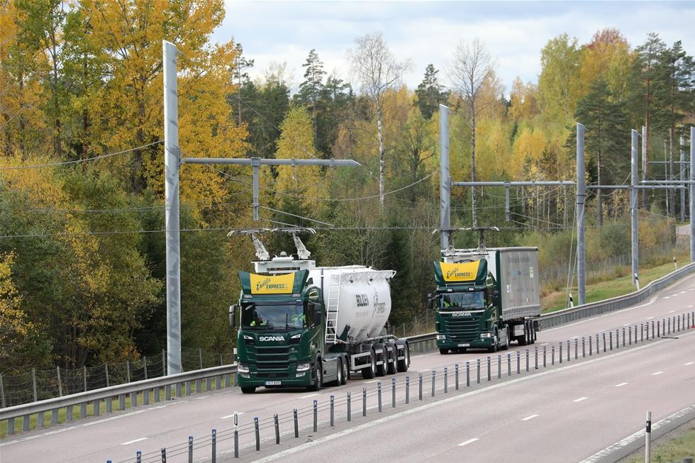 Kalifornien i USA kunde blivit först i världen med elvägar. Men det blev Gästrikland, 2016, följt av Arlanda två år senare. Därmed går Sverige i täten att testa dynamisk laddning av tunga transportfordon på allmän väg. Nu släpps fler försök fram.