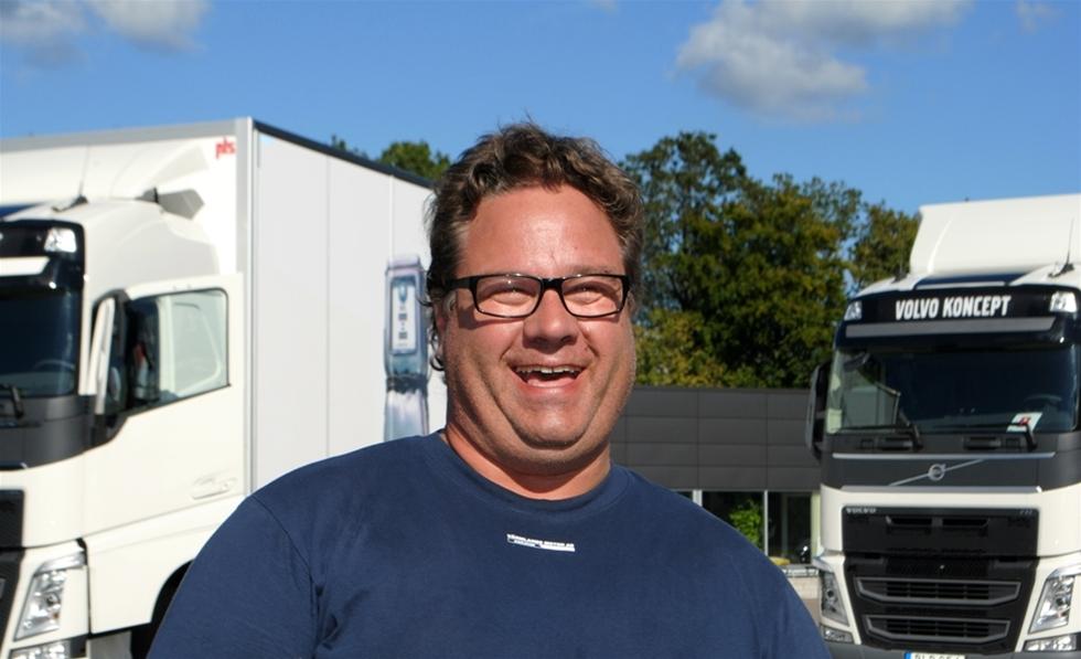 Stellan Carlsson, 48-årig egenföretagare från Hammarö utanför Karlstad, vann årets svenska final i Volvo Lastvagnars tävling the Drivers Fuel Challenge på Ring Knutstorp i onsdags. Den 19 september tävlar han för Sverige i världsfinalen mot 22 andra nationer, där totalt 11 000 förare kämpat om att bli snålast i sitt eget land –åtminstone när det gäller bränsle.
