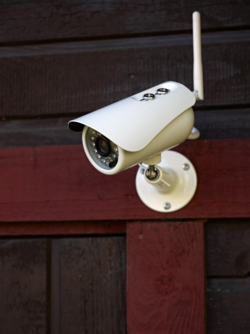Yoyomotion lanserar nu en serie lättinstallerade och funktionsrika kvalitetskameror med hög prestanda för bostaden och affärsverksamheten. Kamerorna finns för montering inom- eller utomhus, med trådlös uppkoppling via 3G eller Wi-Fi.