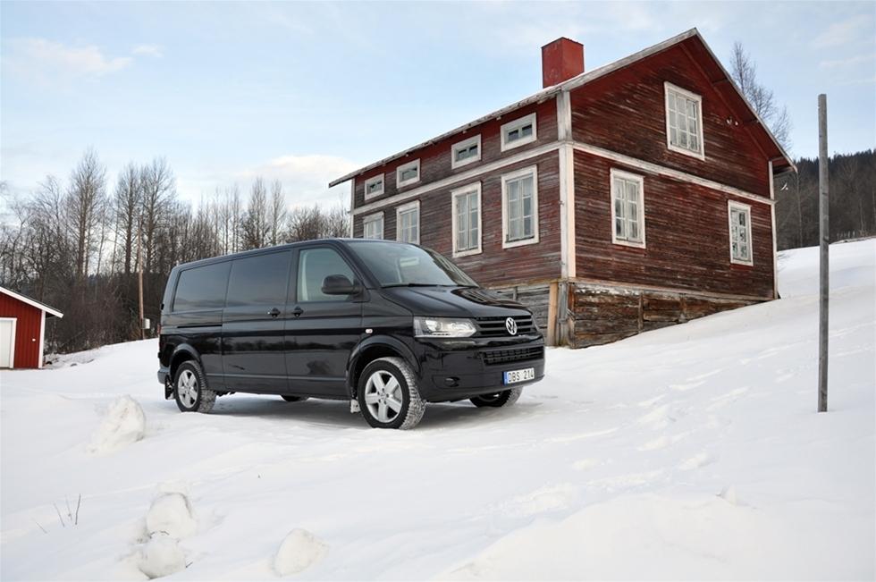 Även om vintern inte går till historien som den kallaste eller mest snörika, så fanns det i februari nog med snö och is och backar och fjäll och glögg, för att testa fyrhjulsdriftens fördelar. Var? I Åre förstås. Med vad? Med Volkswagen 4Motion förstås.