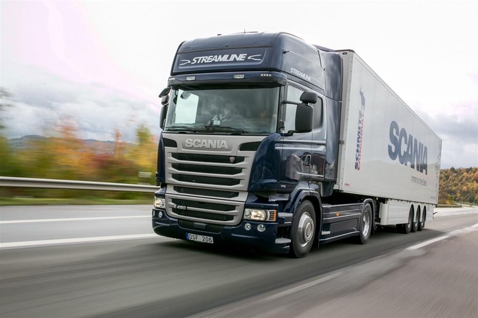De populära långfärsbilarna från Södertälje har alltid varit trogna deltagare i 1000-poängstesten – och alltid klarat sig mycket bra. Det beror naturligtvis på att lastbilen är enastående i sin grundkonstruktion men också på att Scania förbereder sitt deltagande grundligt.
