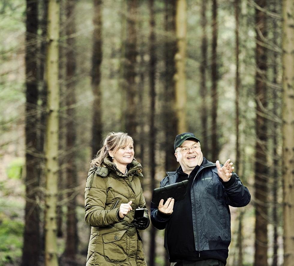 Larz Teke röjde i sin skog utanför Rydaholm mellan Värnamo och Växjö. Han blev osäker var gränserna på hans mark gick. Han hade, visade det sig, varit inne en bit på grannens domäner.  Det blev början till Södras succéapp. – Jag tog det här till vår fältorganisation och fick klart för mig att detta var ett vanligt problem, säger Larz som är it-arkitekt i koncernen.