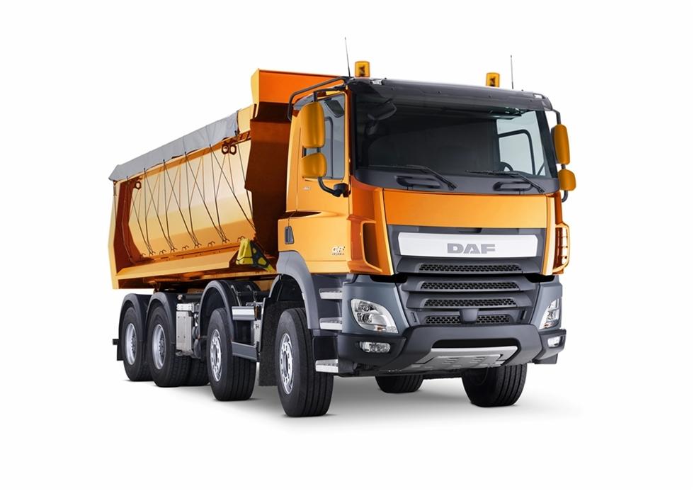 När DAF har inviterat pressen för att testa lastbilsnyheter har det alltid skett i Spanien eller i Belgien, allt efter årstiden. I Spanien som regel med utgångspunkt från Malaga, medan den belgiska testen alltid genomfördes i Ardennerna. I båda fallen är det långa, sega stigningar där långtursbilarna kan sättas på riktigt intressanta tester. Området i Ardennerna ligger mindre än 20 mil från DAF:s egen hemmabas i Eindhoven. DAF:s prototyper och DAF:s nya lastbilar är välkända i området.