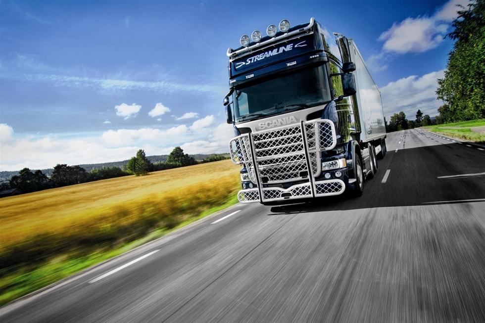 Tillsammans med Scania turnerar just nu Trux runt Sverige där de visar upp sitt kompletta tillbehörssortiment av bland annat frontskydd och ljusbågar i aluminium till nya Streamline.