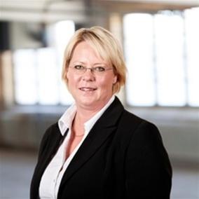 Marie Nilsson har tillträtt som ny VD på Sunfab Hydraulik AB. Hon kommer närmast från Ericssonkoncernen där hon har haft ledande befattningar under 15 års tid. Marie är 45 år, uppväxt i Hudiksvall där hon också bor med sin familj.