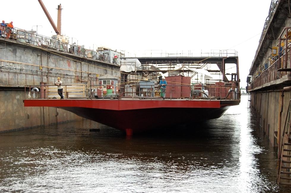 Sveriges genom tiderna största vägfärja ska nästa höst sättas i trafik på Gullmarsleden, som går över Gullmarsfjorden strax utanför Lysekil. Nu har Trafikverkets färjerederi beslutat om fartygets namn: det blir m/s Saturnus.