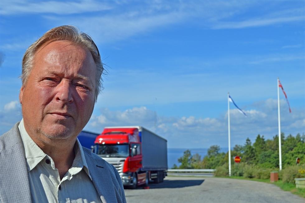 Utbildning av samtlig transportledare. Kontrakt med åkarna. Gps i samtliga trailrar. De stegen har DSV tagit för att minska transportstölderna. – Men den organiserade brottsligheten lever sitt eget liv, med hjälp av insiders. Det är svårare att komma åt, säger Gunnar Waara, säkerhetschef för DSV Sverige.