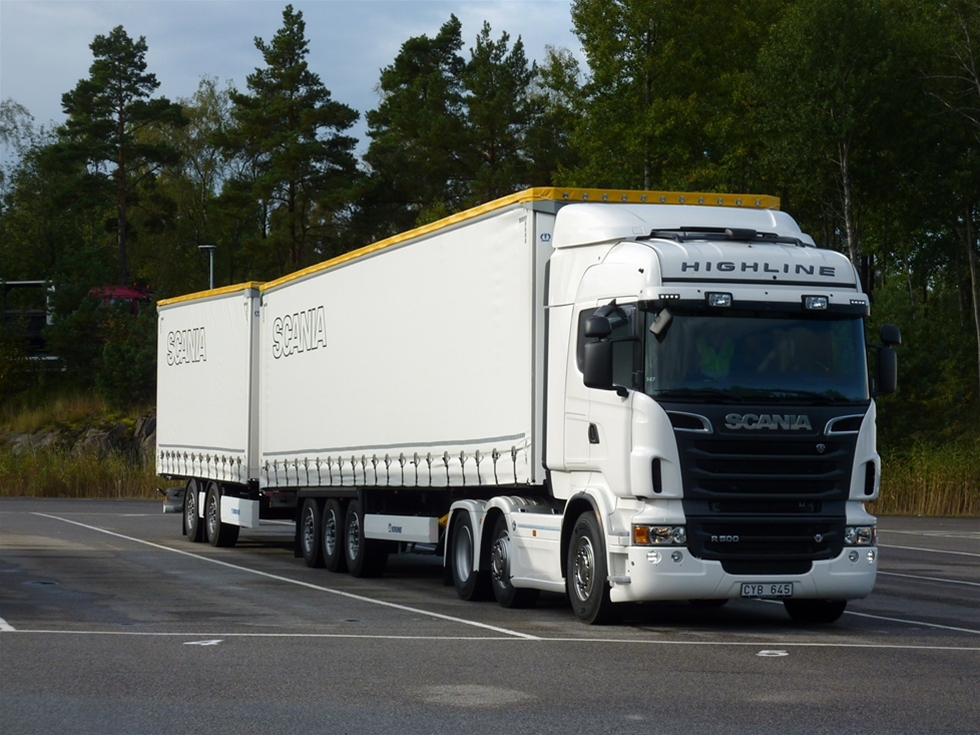 Det är nu  tillåtet för ADR-transporter med alla modulfodon vi använder i Sverige, både  fordon med dolly men också de som har link eller påhängsvagn med kärra.