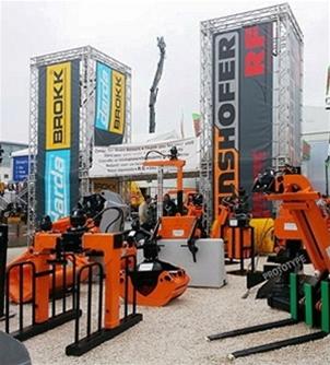 Bauma 2013 har överträffat alla förväntningar hosKinshofer gruppen. I den grupp av företag ingår inte bara Kinshofer som tillverkare av fäste för kranar och grävmaskiner, utan även dess dotterbolag: Demarec; tillverkare av rivningsverktyg och mobila saxar, samt RF-System AB med ett omfattande utbud av tillbehör för grävmaskiner, lastmaskiner och kranar, vilket kompletterar det stora utbudet […]