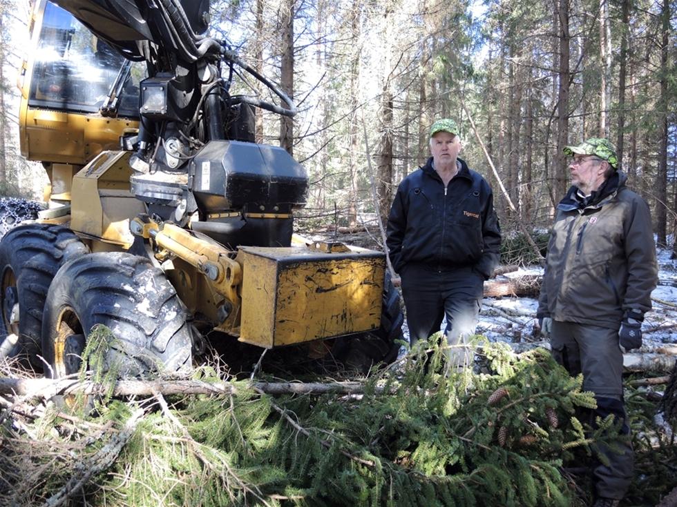 – Principen är att vi alltid ska vara välkomna tillbaka. Det gäller både oss som entreprenörer och uppdragsgivaren Sydved. Vi har ett gemensamt mål i att skogsägaren ska vara nöjd – i alla delar. Det förutsätter en dialog och den tycker jag fungerar bra.