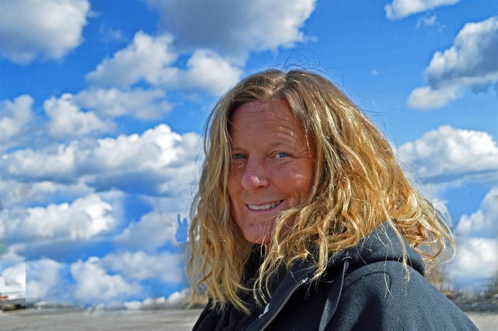 Norska tankbilsjätten Gran Taralrud satsar i Sydsverige. Ny transportchef i en av tre regioner är Eskilstunatjejen Lotta Köbbel, 45. Hon har själv suttit bakom ratten. –Jag har kört både distribution och bil med släp, säger hon.