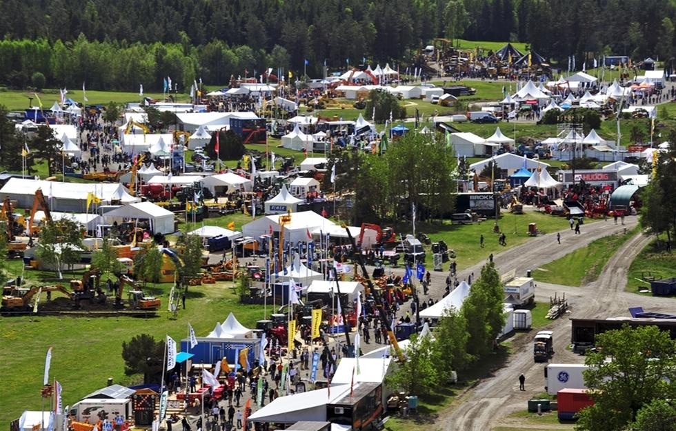 Maskinnyheter i massor och en härlig stämning, med både återseenden och nya bekantskaper. Det utlovas den 23-25 maj. Då är det åter är dags för MaskinExpo, som är Nordens största maskinmässa. Platsen är mäss- och evenemangsområdet STOXA utanför Arlanda.
