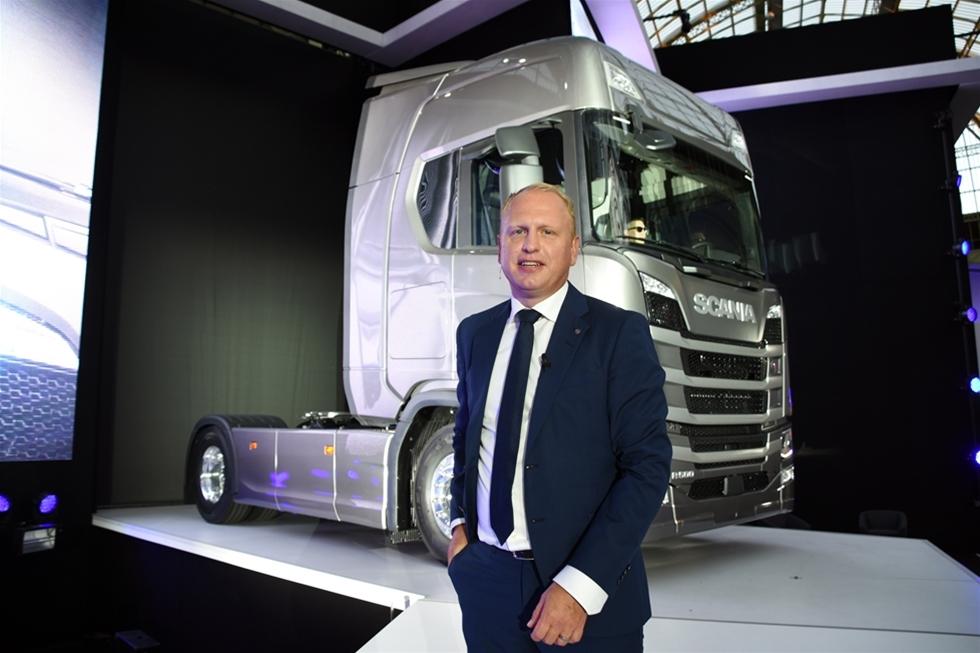 Det råder ingen tvekan om att Scanias storslagna lansering av den nya generationen lastbilar kom helt rätt i tiden. I en artikel i Dagens Industri uppger VD Henrik Henriksson att Scania siktar på en 30-procentig ökning av lastbilsförsäljningen till 100 000 fordon år 2020.