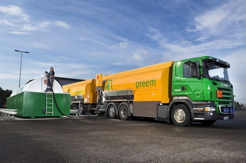 Preem förvärvar YX Norge bulkverksamhet i Norge. Affären omfattar en drivmedelsvolym om cirka 200 000 kbm. Preem fördubblar därmed sin totala försäljningsvolym i Norge till cirka 400 000 kbm per år. Förvärvet innefattar även 600 kunder varav cirka 15 återförsäljare.
